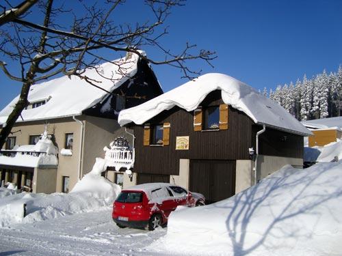 Einsberg - Außenansicht (Winter)